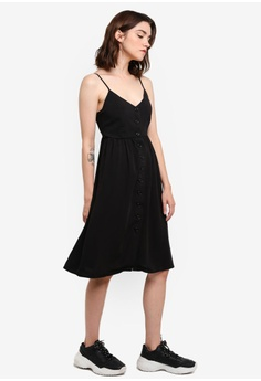 b1d78f4dea2 30% OFF FOREVER 21 Button Front Cami Mini Dress S$ 32.90 NOW S$ 23.10 Sizes  S M L