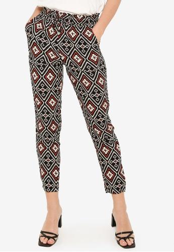 LC Waikiki black Elastic Waist Patterned Viscose Trousers ED0C3AA6719CF4GS_1
