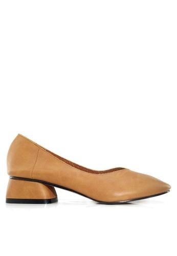 Twenty Eight Shoes 褐色 復古牛皮矮跟鞋 VL8181 A1BA0SHF390C13GS_1