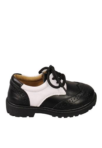 Twenty Eight Shoes black VANSA Cow Leathers Perforted Student Shoes   VSK-D5507 949ABKSBCE32F7GS_1
