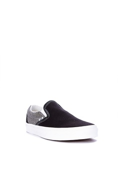 a7b7fd3ef1 15% OFF Vans Chambray Classic Slip-On Sneakers Php 3,698.00 NOW Php  3,139.00 Available in several sizes