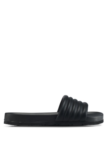 Public Desire black Gal Quilted Pu Sliders 34F58SH30337A7GS_1