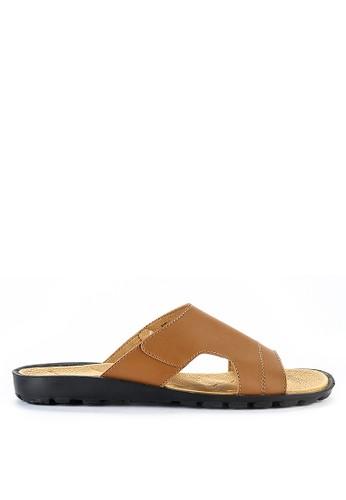 Yongki Komaladi brown Alaric F68D2SHEB5D63AGS_1