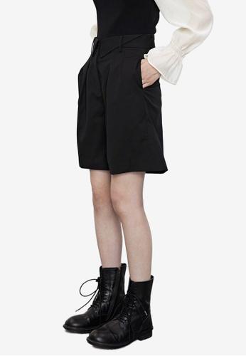 Urban Revivo black Casual Fashion Shorts FA280AAF9901B5GS_1