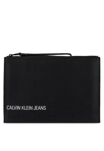 Calvin Klein black Med Travel Pouch - Calvin Klein Jeans Accessories 9CBFDAC2C42D11GS_1