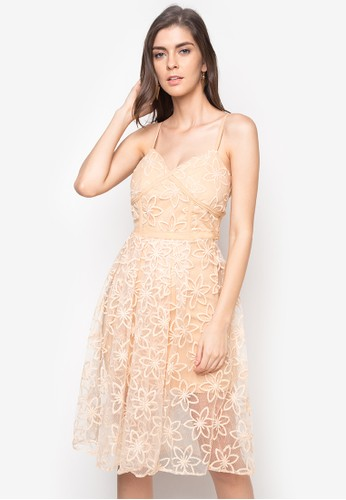 Hug beige Spag Strap Embroidered Midi Dress HU902AA16BKHPH_1