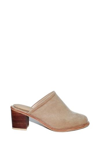 M&G beige Drew Heels by M&G 8A6EFSH9CB9014GS_1