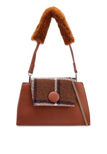 Berrybenka brown Safuri Decca Satchel Bag 2C67EAC70E1555GS_1