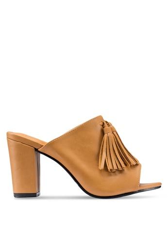 Berrybenka brown Riri Decha Heels 462C8SHBB05361GS_1
