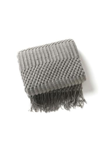 DILAS HOME Knitting Pattern Fluffy Throw (Dark grey) 73902HL5441460GS_1