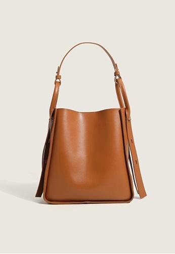 Lara brown Women's Capacious PU Leather Zipper Shoulder Bag Cross-body Bag Underarm Bag - Light Brown F9A3AAC494C0BBGS_1