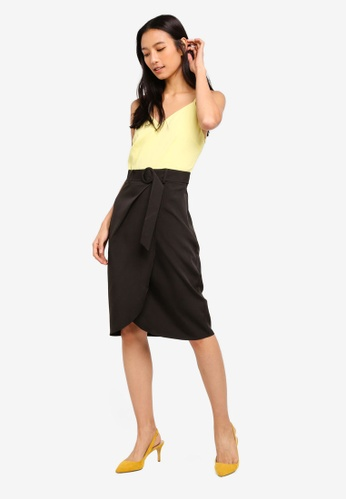 ZALORA 黑色 and 黃色 Overlap Skirt Dress With Belt E0CF5AA175CC91GS_1