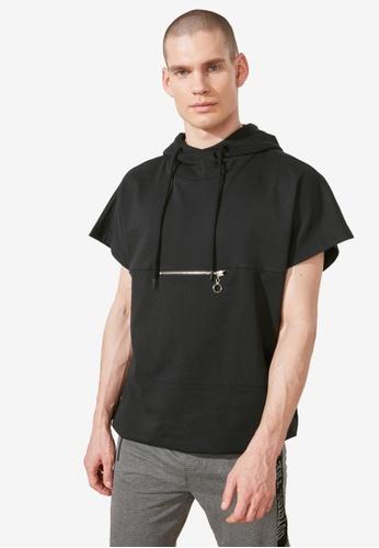 Trendyol black Short Sleeve Sweatshirt with Front Zip 7D776AA2675245GS_1