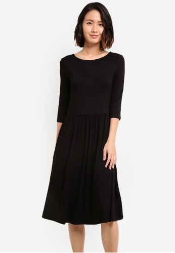 ZALORA black Basic Quarter Sleeves Fit & Flare Dress 6535FZZ1C9AD56GS_1
