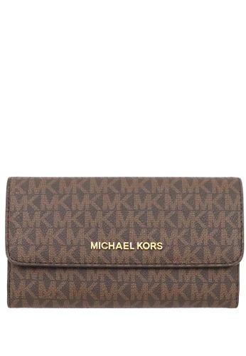Michael Kors brown Michael Kors Jet Set Travel Large Trifold Wallet In Signature - Brown 92FEFAC241AB48GS_1