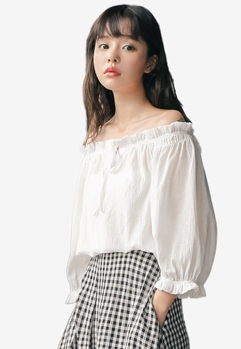 Shopsfashion white Textured Two-Way Blouse 94309AA7C1EE8EGS_1