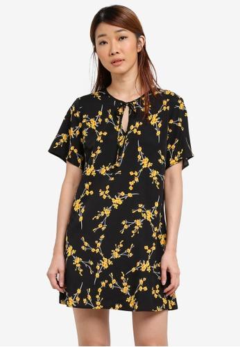 Something Borrowed black Printed Neck Detail Shift Dress B3405AA3D9444FGS_1