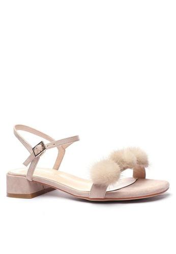 Twenty Eight Shoes Fur Ball Strap Low Heel Sandals 3376-30 7E350SH361F0F0GS_1