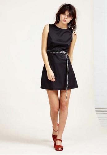 露背洋裝, 服esprit 兼職飾, 短洋裝