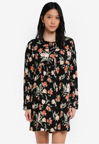 0d93fcb98b98b ZALORA black and multi Babydoll Dress with Velvet Tie 6B50EAA9F2B78CGS 1