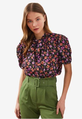 Trendyol multi Floral Print Tie Neck Detail Blouse D4818AAB9CFC4DGS_1