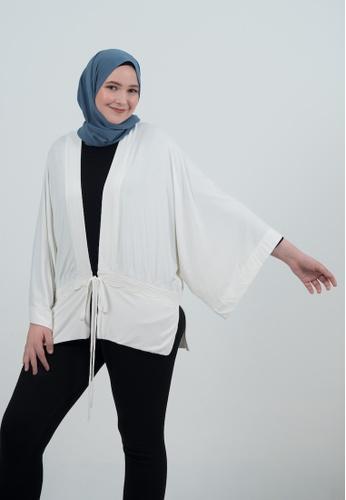 Bait Al Hijaab white Kimono Cardigan B8CE1AA820CAFCGS_1