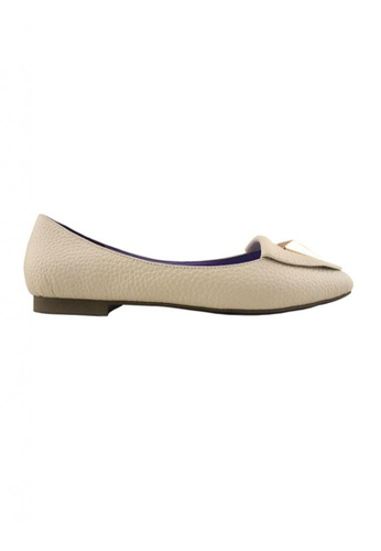 Flatss & Heelss by Rad Russel beige Classic Pointy Loafers FL655SH50HLXSG_1