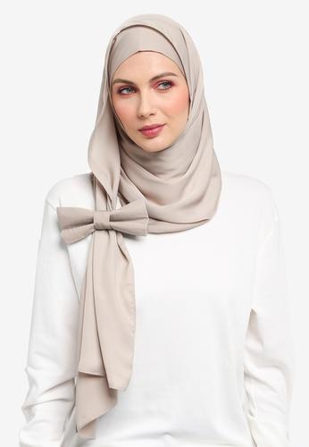 Ilham Echenta for ZALORA beige Ribbon Aulia Satin Hijab IL554AA0SY2NMY_1