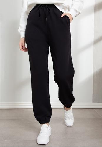 Origin by Zalora black Organic Cotton Jogger Pants 8FD4EAA41E5FC8GS_1