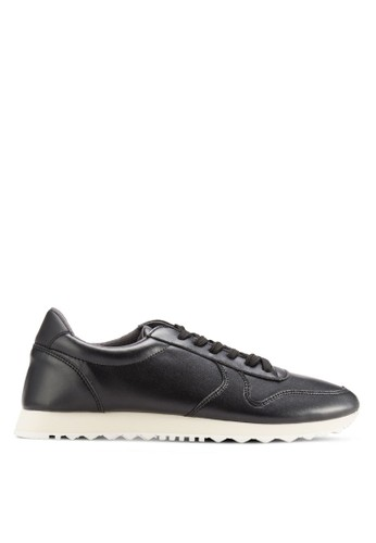 24:01 black Faux Leather Sports Sneakers 453F5SH8351F0DGS_1