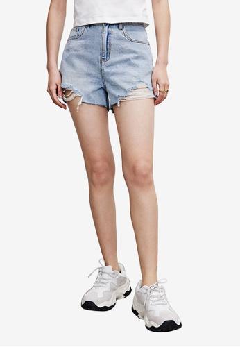 Urban Revivo blue Distressed Denim Shorts 9F714AA1172218GS_1