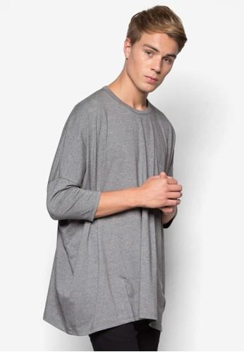 AAA 寬版蝙蝠袖T 恤、 服飾、 服飾TopmanAAA寬版蝙蝠袖T恤最新折價