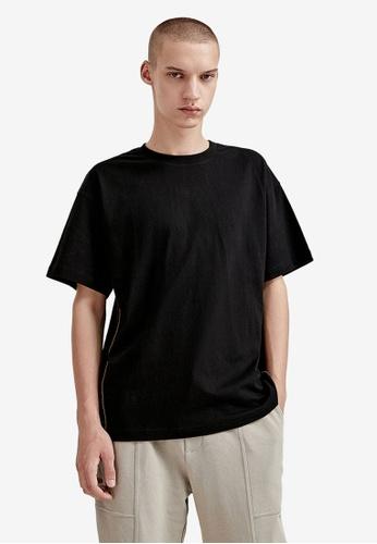 Urban Revivo black Casual T-Shirt 6E635AA88F56F4GS_1