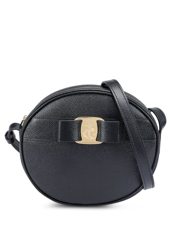 Ferragamo black Vara Crossbody Bag (zt) CA5ABACEFBC950GS_1