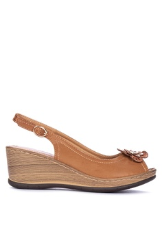 51b39006a0530 UNLISTED brown Jasmine Wedges 0BDFDSHE6460CBGS 1