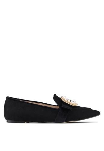 ZALORA 黑色 裝飾釦樂福鞋 2E25CSHEF6831CGS_1