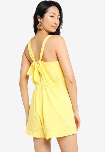 ZALORA BASICS 黃色 後領帶 鈕釦 連身短褲 368EBAA830A085GS_1