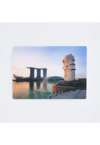 Red Republic Merlion Lenticular Postcard E5AABHL161FB5BGS_1