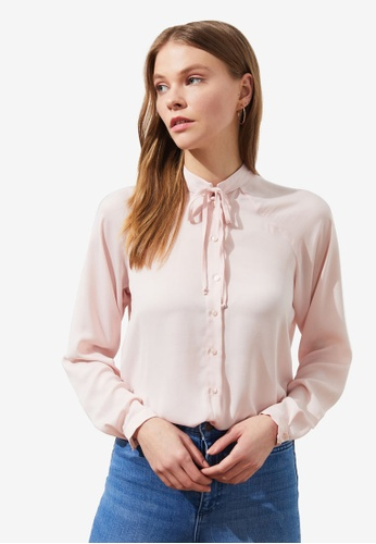 Trendyol pink Stand Collar Tie Neck Detail Blouse 11754AAB9C4953GS_1