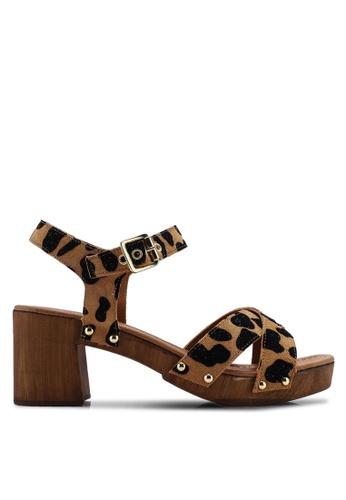 c51c9231c8 Buy TOPSHOP Veronica Leopard Clog Sandals Online on ZALORA Singapore