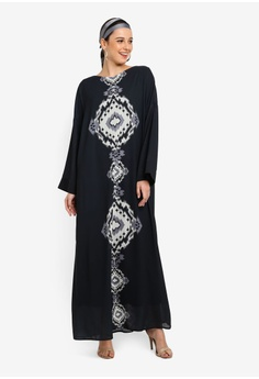 8d11582f38630 25% OFF Tom Abang Saufi for ZALORA Grace Kaftan S$ 112.90 NOW S$ 84.90  Sizes One size