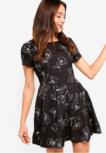 ZALORA black Short Sleeves Fit And Flare Dress 571E2AAE46DE3EGS_1