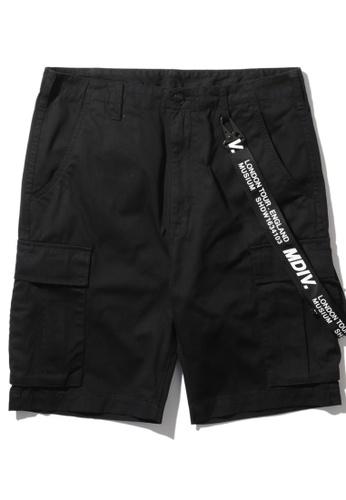 MUSIUM DIV black Strap detailed cargo shorts 78FAEAAE021370GS_1