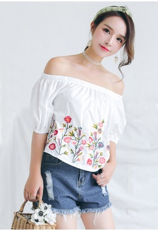 7e8fcbb58caf9 Floral Printed Off Shoulder Blouse 22773AA171EF64GS 1