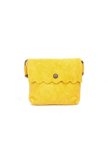 Shu Talk yellow DMR Touch Scalloped Cutie Shoulder Bag 127F5AC49FAE23GS_1