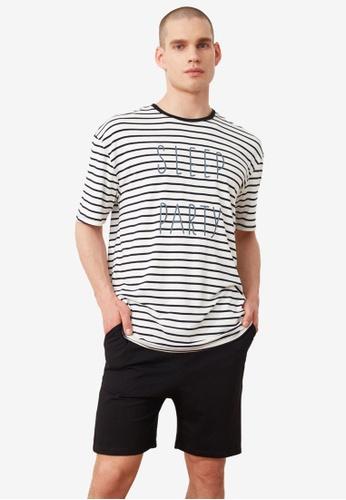 Trendyol black Striped Slogan Knitted Pajama Set DAFBAAA0504692GS_1