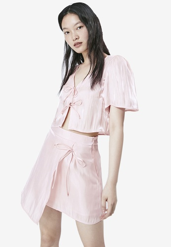 URBAN REVIVO pink Tie Front Cropped Shirt D4B17AA456CA2BGS_1