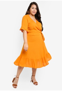 2c8a4b156b43 15% OFF Only CARMAKOMA Plus Size Savannah Wrap Dress S$ 69.00 NOW S$ 58.90  Sizes 42 44 46 48