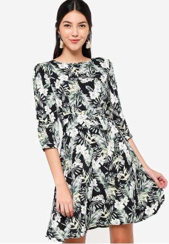 ZALORA black and multi Puffed Sleeves Fit And Flare Dress 36B63AA2F3F7F5GS_1