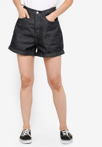 ZALORA BASICS black Basic Mom Shorts F8819AAA54DB15GS_1